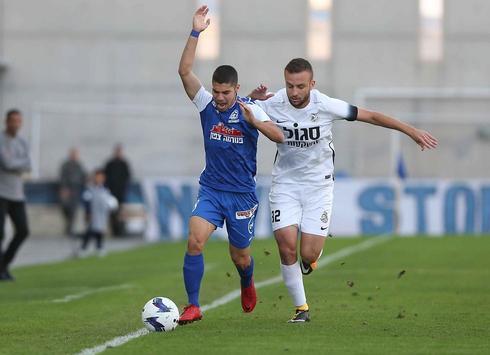 המכדרר המוביל בליגת העל. באירופה הוא ילמד לשחרר את הכדור מהר יותר. מנור סולומון. צילום: ראובן שוורץ