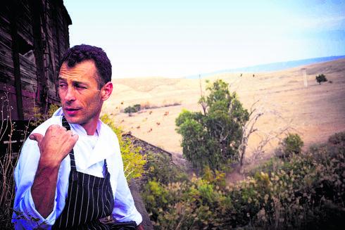 """סהר. """"רצינו ליצור מטבח חדש וגם לנהל חיי משפחה נורמליים""""   צילום: בן יוסטר"""