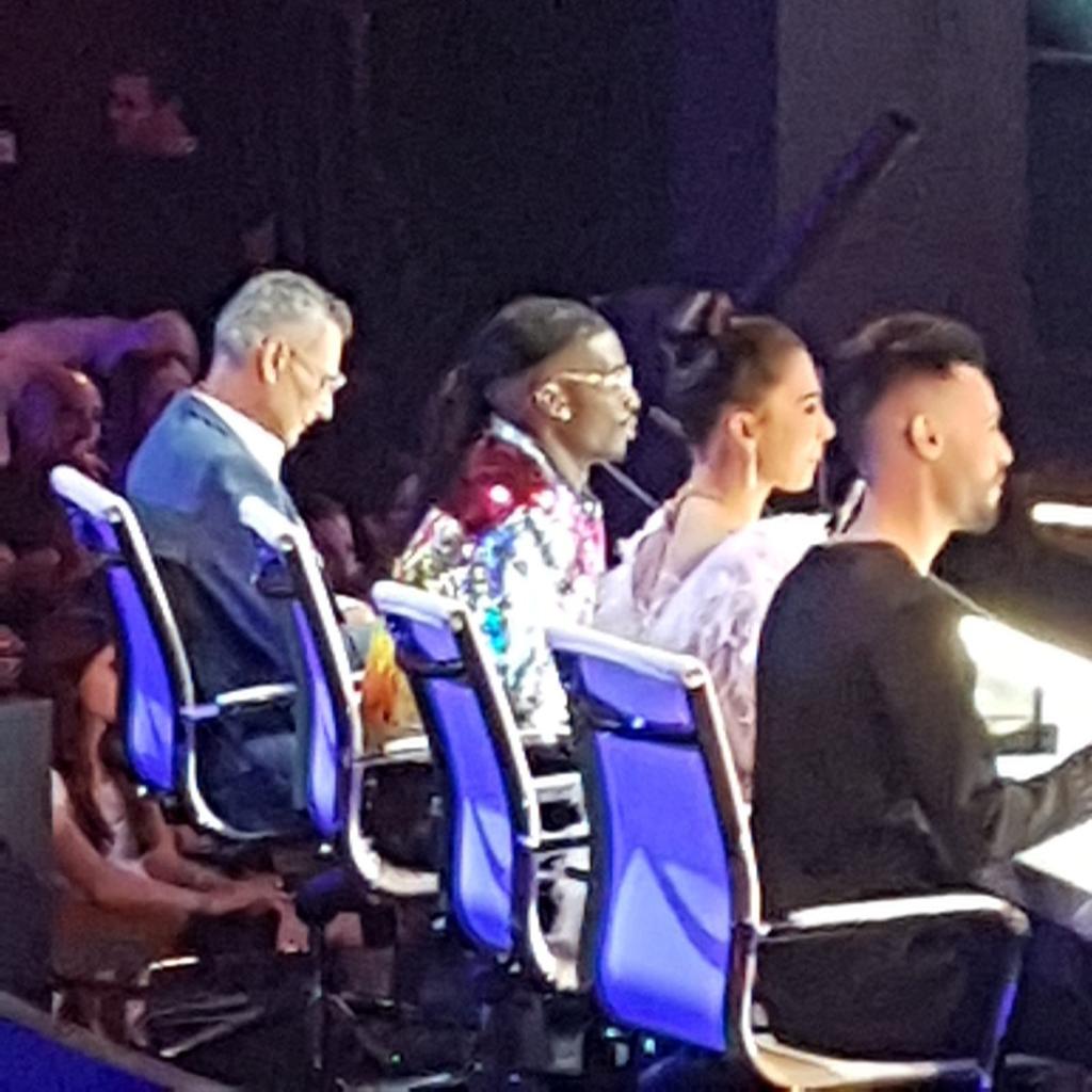 השופטים במהלך הצילומים