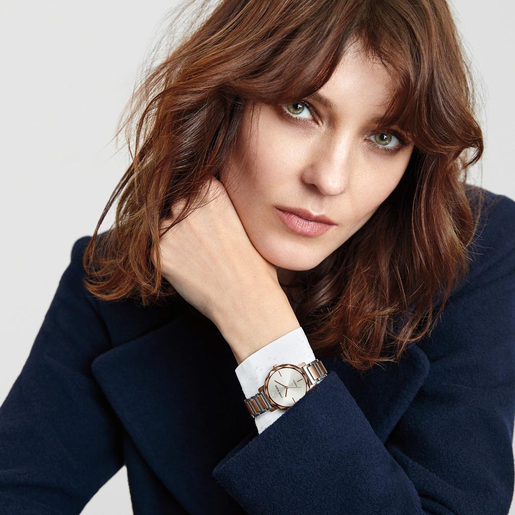 """שעון של אן קליין בהנחה ברשת אימפרס. יח""""צ"""