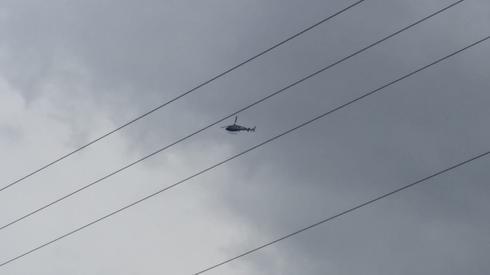המסוק שהעלתה המשטרה לאוויר. צילום: יוסי דמארי - עיתון מוקד