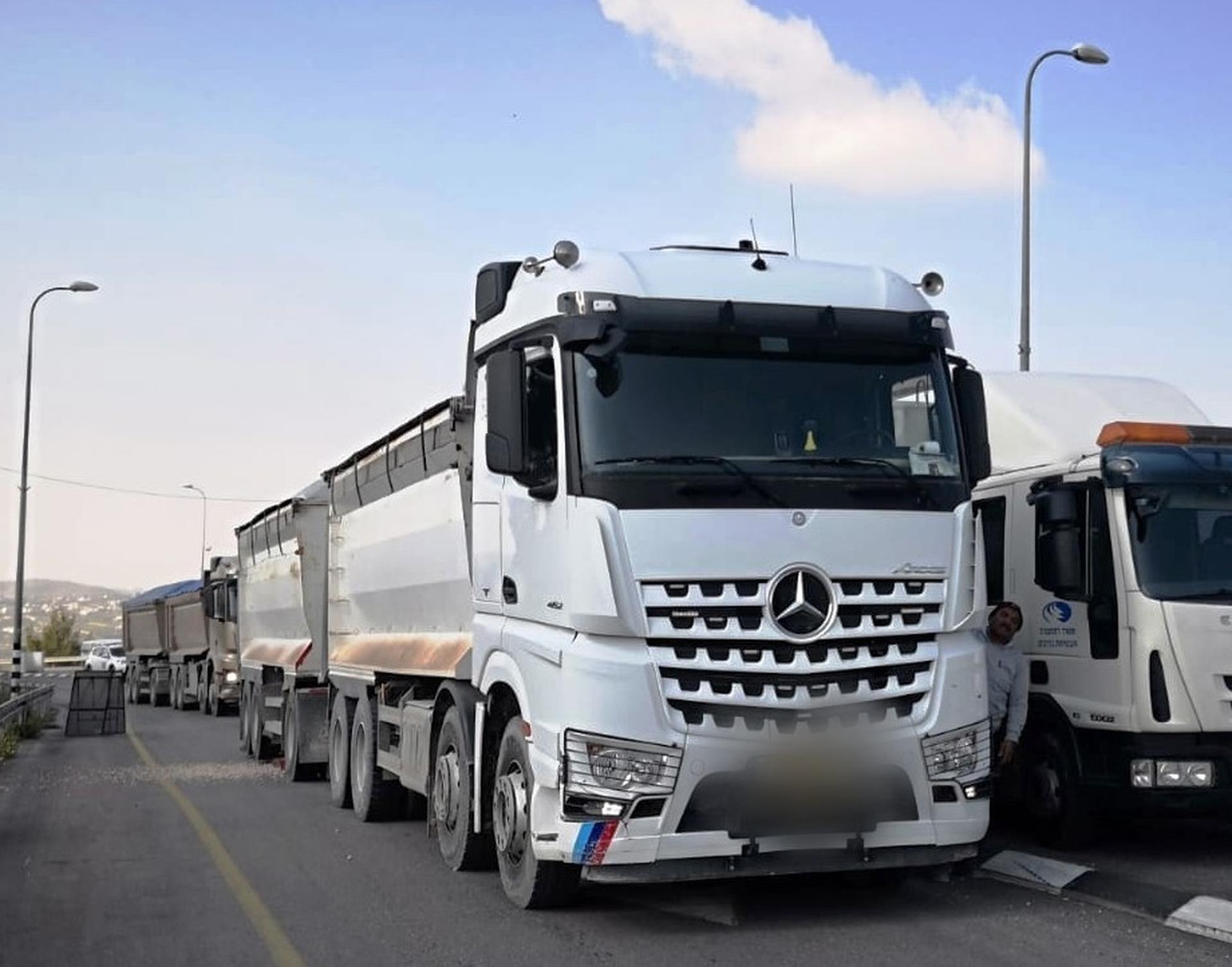 משאית מסוכנת. צילום: דוברות משטרת ישראל