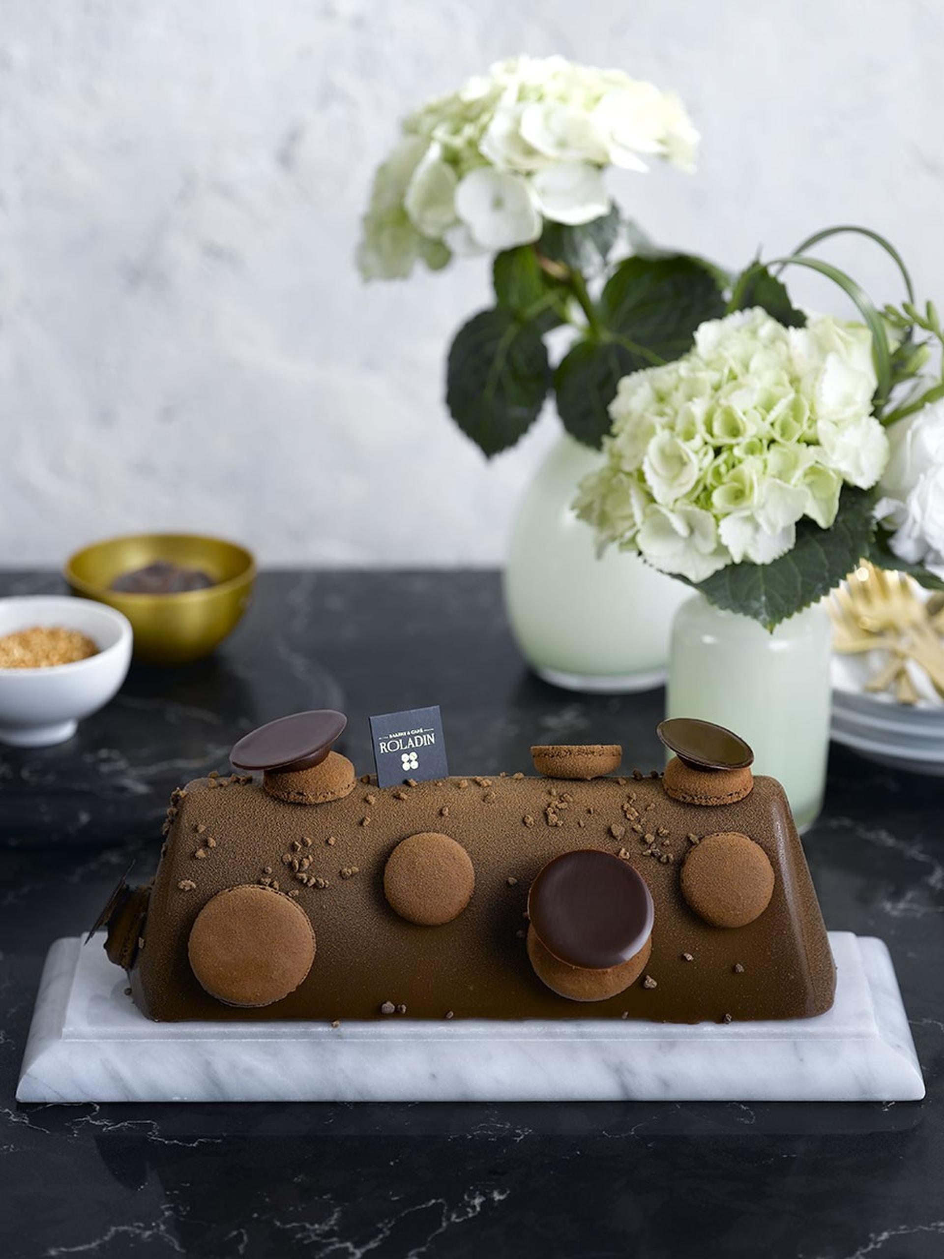 מקרונד שוקולד ברולדין. צילום: רונן מנגן