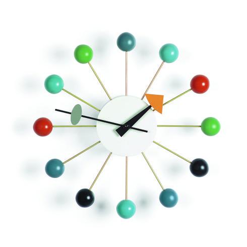 שעון קיר שעיצב ג'ורג' נלסון בשנות החמישים של המאה הקודמת, vitra