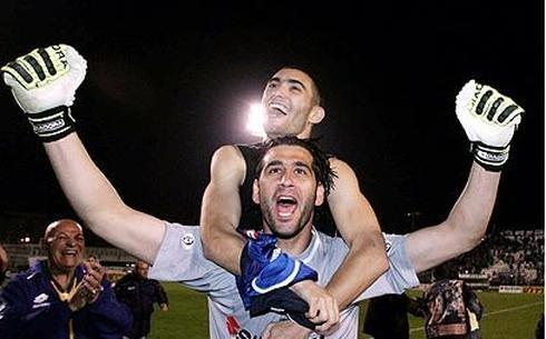 עומר גולן ואוהד כהן חוגגים ניצחון בדרבי. צילום: ראובן שוורץ