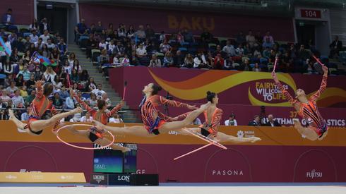 נבחרת ההתעמלות האמנותית של ישראל בפעולה במהלך אליפות העולם. צילום: אורן אהרוני
