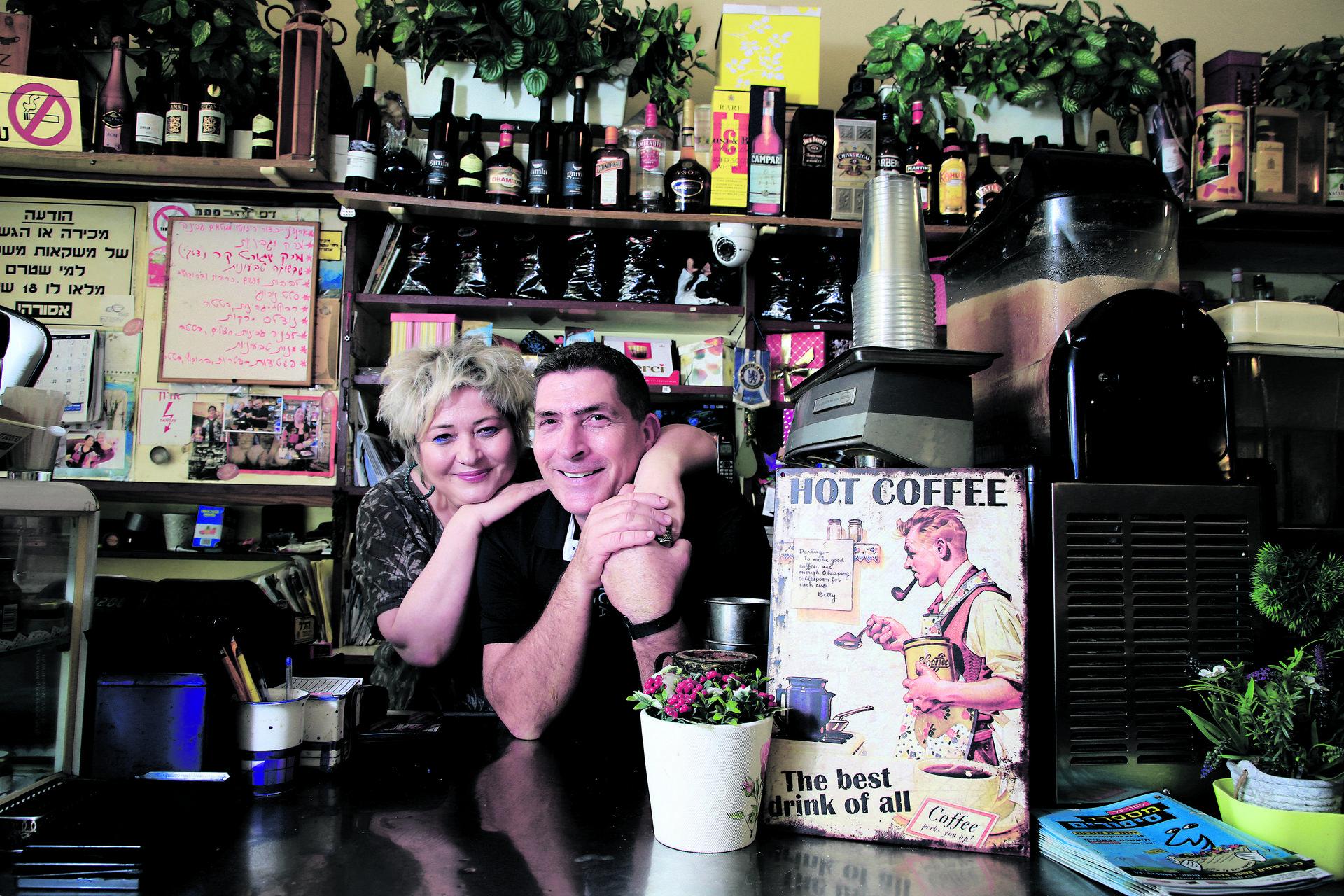 מילנר בקפה דבורה | צילום: ריאן